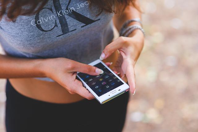 格安SIM スマートフォンの通話料金を抑える為に